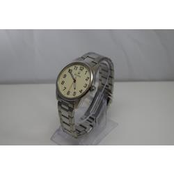 Bulova-96A140-Store-Display-9.5-out-of-10